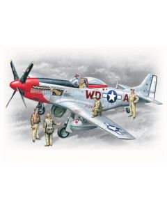 ICM 48153 Mustang P-51D with USAAF Pilots and Ground Personnel 1/48