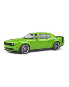 Solido S1805704 2020 Green Dodge Challenger R/T Scat Pack Widebody 1/18