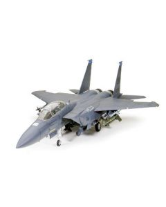 Tamiya 60312 Boeing F-15E Strike Eagle w/Bunker Buster 1/32