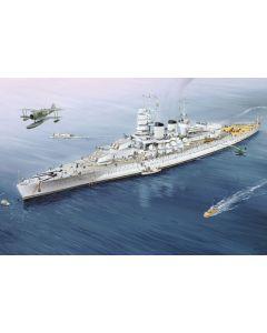 Trumpeter 05779 Italian Navy Battleship RN Vittorio Veneto 1940 1/700